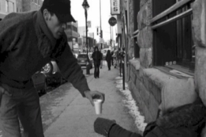 heartwarming-acts-of-kindness-caught-on-camera-in-2012